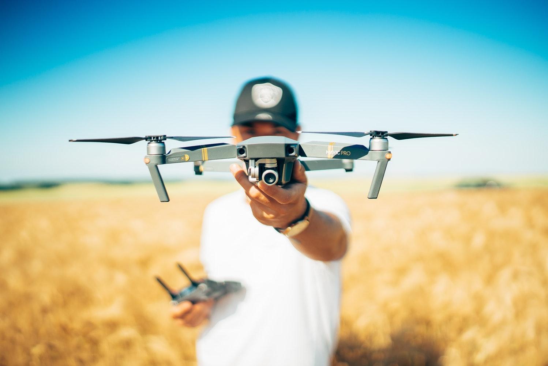 fjernstyret biler droner